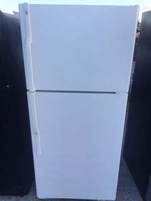 Refrigerator General Electric 30x66 for Sale in West Palm Beach, FL