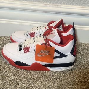 Jordan 4 Fire Red for Sale in Manteca, CA