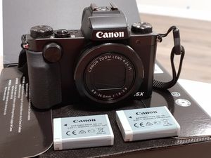 Canon G5X. Camera + charger + 2 batteries for Sale in Seattle, WA