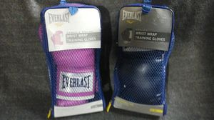 EVERLAST BOXING GLOVES BOTH NEW one pink one black for Sale in Las Vegas, NV