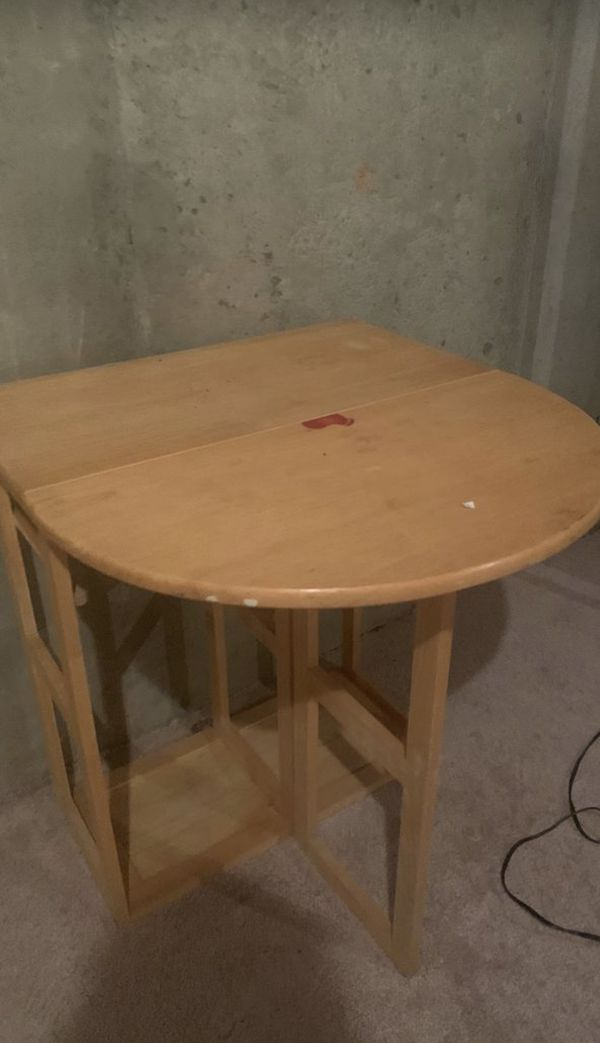 Kitchen utility table and 2 bar stools