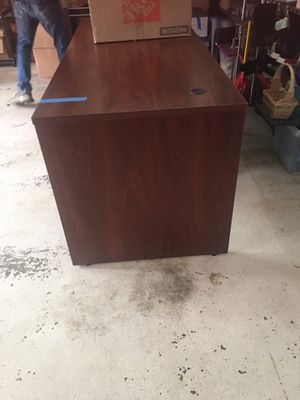 Costco Desk- 71x29x30 for Sale in Rockville, MD