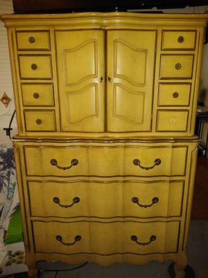 Chantilly! (Antique Furniture 5 PC's Bedroom set ) Make Offer ! for Sale in Warren, MI