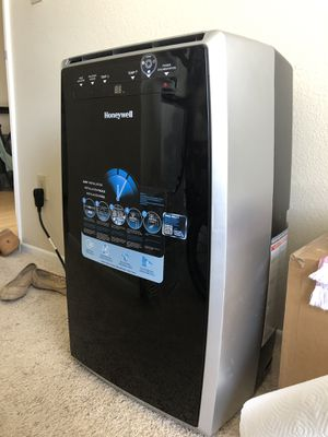 Honeywell Brand Portable Air Conditioner 12,000 BTU for Sale in Los Angeles, CA