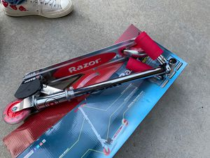 kids razor scooter for Sale in Chino Hills, CA