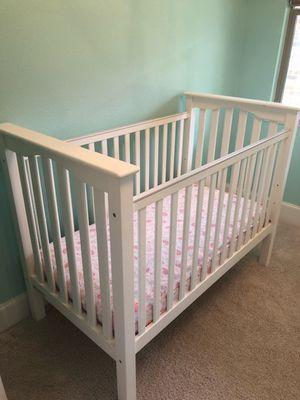 White baby crib & crib mattress for Sale in Frisco, TX