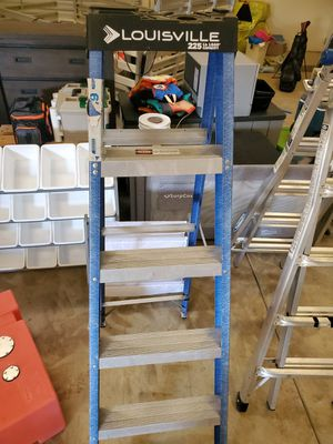Peligro 6 foot 225 lb ladder for Sale in Anderson, CA