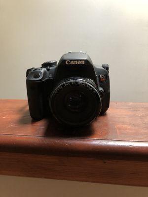 Canon T5i - 50mm Lens - Standard Lens - Camera Bag - 2 SD Cards - Lens Caps - Battery & Charger for Sale in Philadelphia, PA