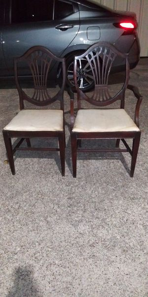 2 vintage chairs for Sale in Pasadena, TX