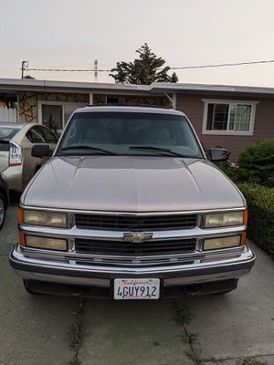 Chevy Suburban LT 4x4 1999. for Sale in HILLTOP MALL, CA