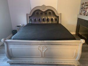 King size bedroom set for Sale in Las Vegas, NV