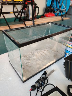 10 gal aquarium for Sale in Jurupa Valley, CA