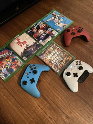 Xbox One 3 controllers and 5 games! for Sale in Orlando, FL
