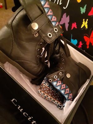 Girls boots size 11 for Sale in Lincoln Acres, CA