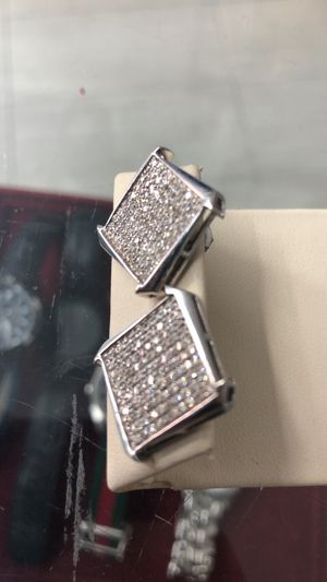 Gold Diamond Earings for Sale in Staten Island, NY