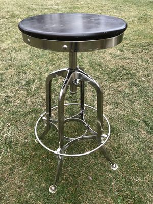 Swivel Bar Stool for Sale in East Norriton, PA
