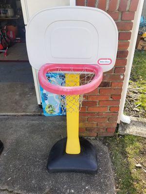 Little tikes basketball hoop for Sale in Monroe Township, NJ