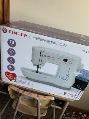 Singer sewing machine for Sale in Palos Heights, IL