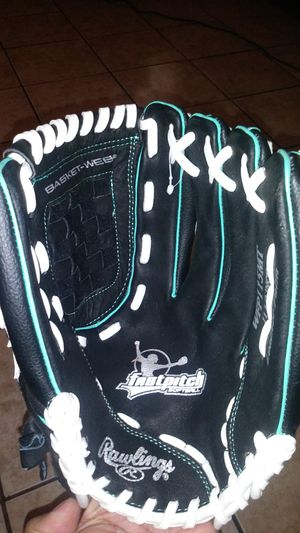 "Rawlings 11.5"" fastpitch softball glove new for Sale in Phoenix, AZ"