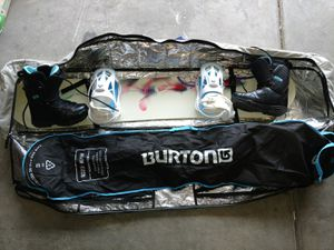 Dreamcatcher 144 snowboard with boots size 6 womens and bag for Sale in Las Vegas, NV