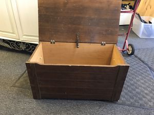 Kids wood toy chest for Sale in Lorain, OH
