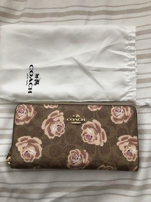 Coach wallet for Sale in Alexandria, VA