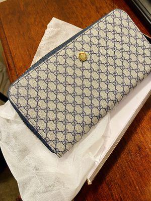 Ladies gucci wallet for Sale in Elsmere, DE