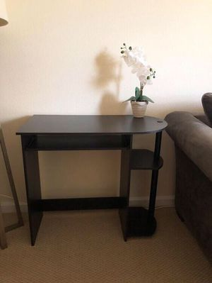 Excellent computer desk, Ikea swivel chair and floor lamp for Sale in Walnut Creek, CA