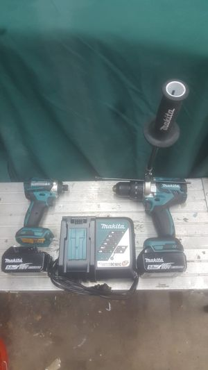 New Makita 18 volt brushless hammer drill impact driver combo 5 ah batteries for Sale in Denver, CO