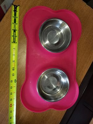 Pet feeder bowls and mat for Sale in Charlotte, NC
