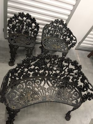 Cast Iron Patio Set (Furniture) for Sale in Tampa, FL