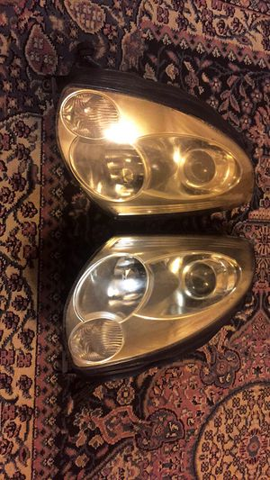 Infiniti g35 coupe headlights OEM for Sale in Jersey City, NJ