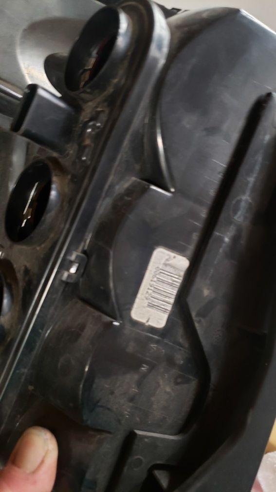 1999 Jeep grand cherokee oem tail lights.
