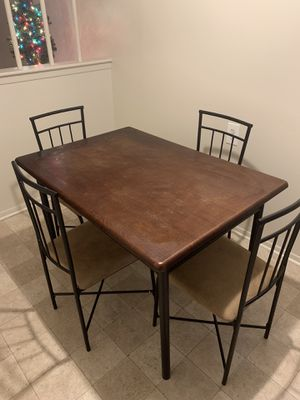 Kitchen table and chairs for Sale in Allen Park, MI