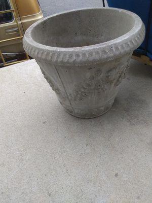 Flower pot for Sale in Matawan, NJ