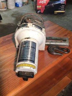Power Winch With Cables for Sale in Puyallup,  WA