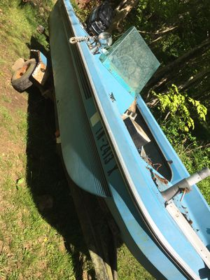 Boat found in woods rotten transom TRAILER not included for Sale in Cross Plains, TN