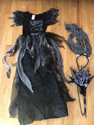 Girls Ghost Princess Bride with Wig Halloween costume size 8-10 for Sale in Long Beach, CA