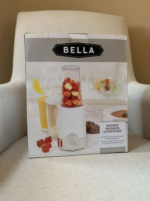 New Bella Rocket Blender, 12 Pc Set Smoothie Blender for Sale in Lynwood, CA