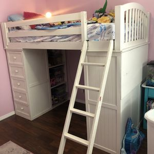 Solid Wood Bunk Bed for Sale in Bartlett, IL