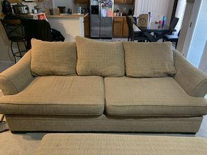 Couch and loveseat for Sale in Glendale, AZ