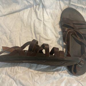 Olukai 'Awe'awe Sandals Size 8 Women for Sale in San Diego, CA