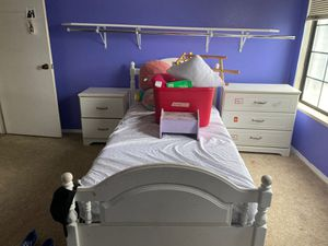 Twin bedroom set for Sale in Hemet, CA