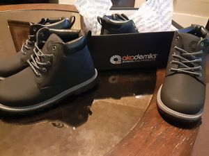 Akademiks boots nwt for Sale in Mitchell, IL