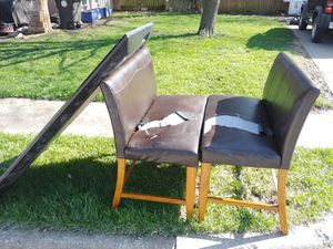 "Pleather chairs and tv 75"" for Sale in Belton, MO"