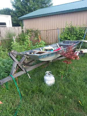 14' Jon boat for Sale in Ashville, OH
