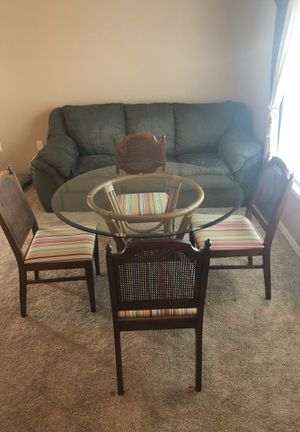 Couch/breakfast dining table for Sale in Land O Lakes, FL