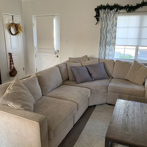 Couch *Reduced Price* Macy's Sectional for Sale in Long Beach, CA