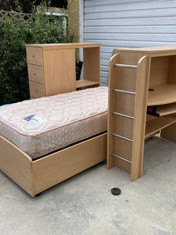 Ashley furniture Maple Loft Bed (bunk) for Sale in Burbank,  CA