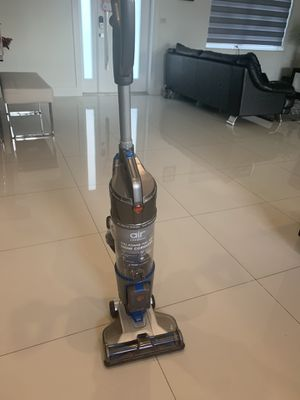 Hoover cordless vacuum for Sale in Miami, FL